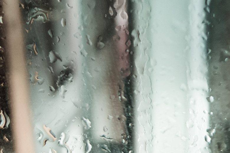 Come togliere le gocce di calcare dai vetri